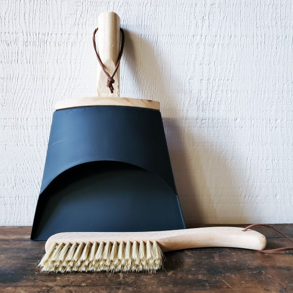 Home 1 dustpan and brush decorative