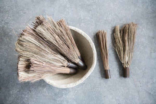 Home 2 hand broom decorative